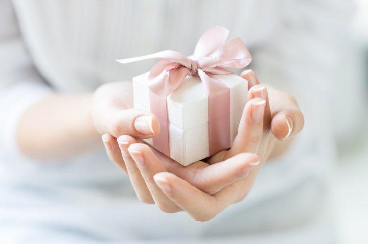 Sortir avec un homme divorcé ? 7 conseils cruciaux, astuces et FAQ